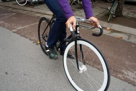 Xe đạp không có phanh Fixed Gear